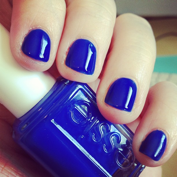 Found another amazing blue polish from Essie. This one is Bouncer It's Me. Need to compare it to RBL IKB:2012 still.