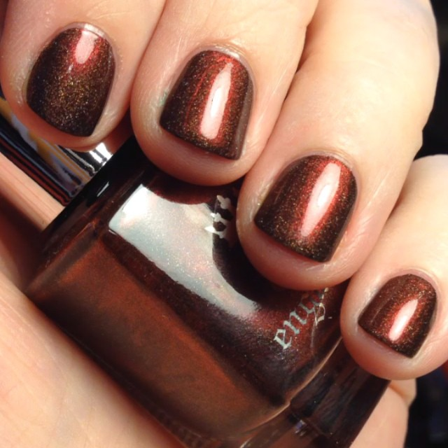 Oh. My. Word. Perfect nail polish for autumn! Color is Brairwood by A-England.