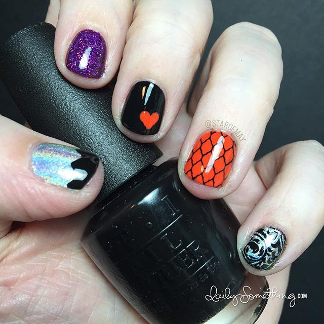 Halloween Nails :) #starofmaynails ~~~~~~~~~~~~~~~ Orange polish: Essie Orange, It's Obvious Black polish: OPI Black Onyx Glitter polish: Smitten Polish Hocus Pocus Holographic Polish: ILNP Mega (s) Nail stamping plates: UberChic Beauty 4-03 and 4-02 Top coat: @glistenandglow1 HK Girl